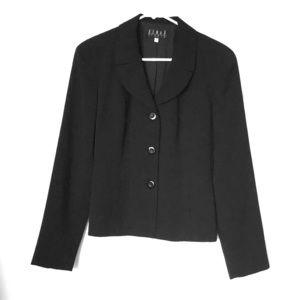 Black three-bottom fitted blazer